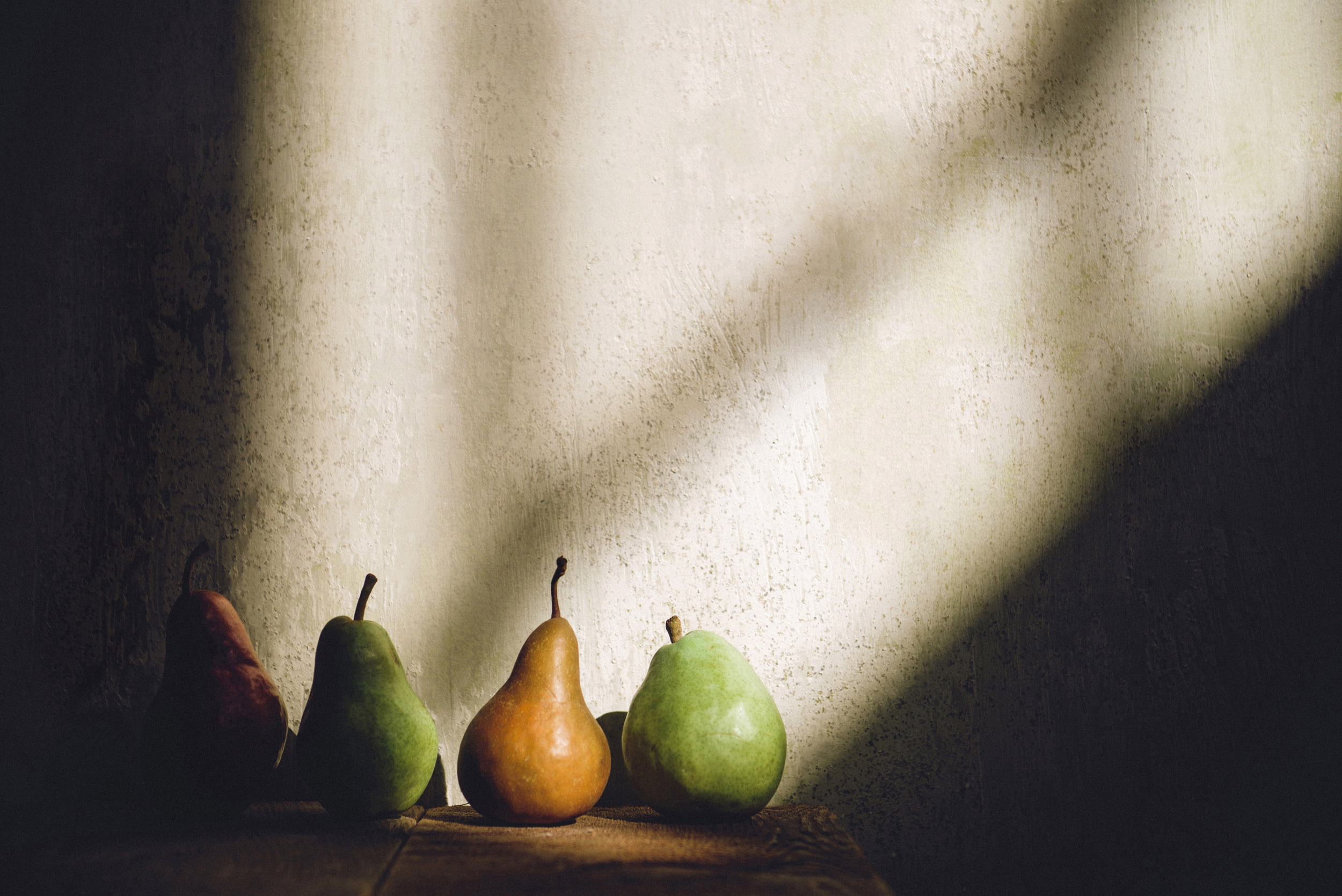 pears-fruit-fall-photography